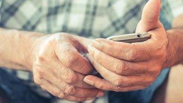 智能手机应用忌一刀切 别让老年人觉得被抛